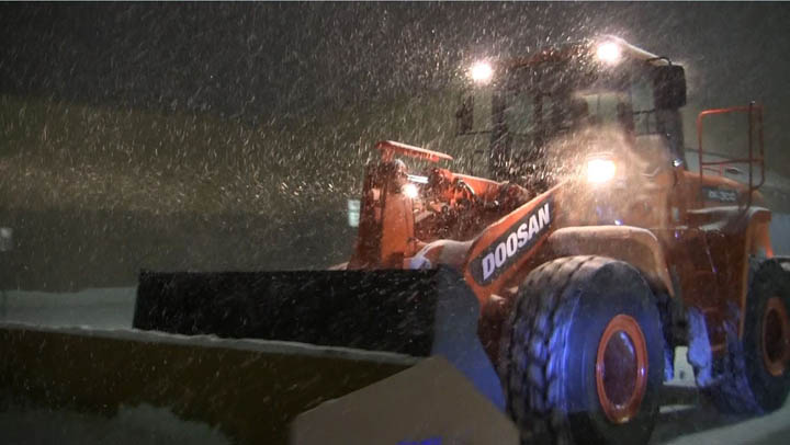 Agganis Frontend Loader Snow Plowing 03